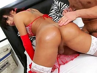 Latina trap Bruna Butterfly gives head and bones a guy