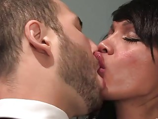 Hot office shemale in first business anal meeting