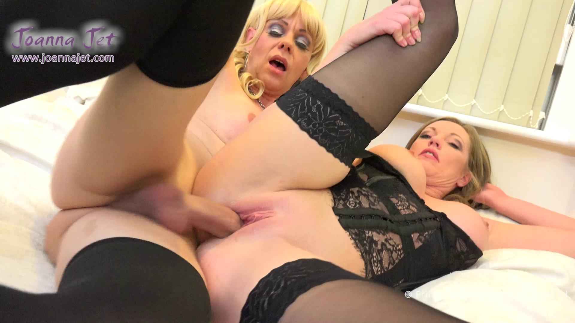 T Milfs Joanna Jet And Liberty Harkness Double Penetrate Beautiful